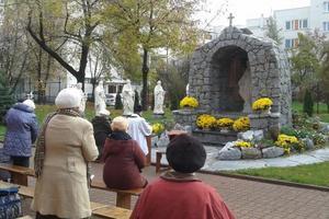 Modlitwa różańcowa przy Grocie, X 2013