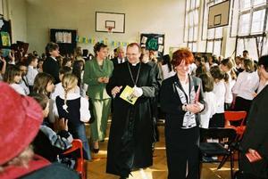 Wizyta Ks. Biskupa w Szkole Podstawowej nr. 271 - 15.03.2004
