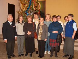 Świąteczne spotkanie dzieci zorganizowane przez Caritas - 20.XII.03 - 2003